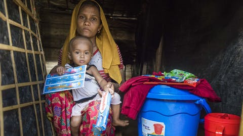 Noodhulpkit Rohingya moeder kind