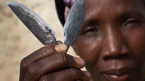 meisjesbesnijdenis besnijdster mesjes