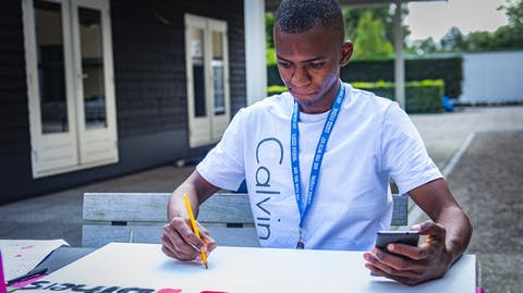 Twintig jongerenlobbyisten uit Afrika en Azië komen samen